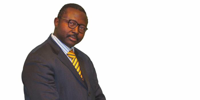 BAYE DIOUF Consultant en communication sociale Master Social Media et Web Marketing
